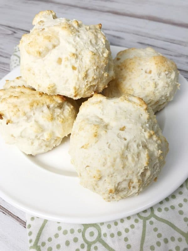 Easy Garlic Bisquick Biscuits from Kelly Lynn's Sweets and Treats