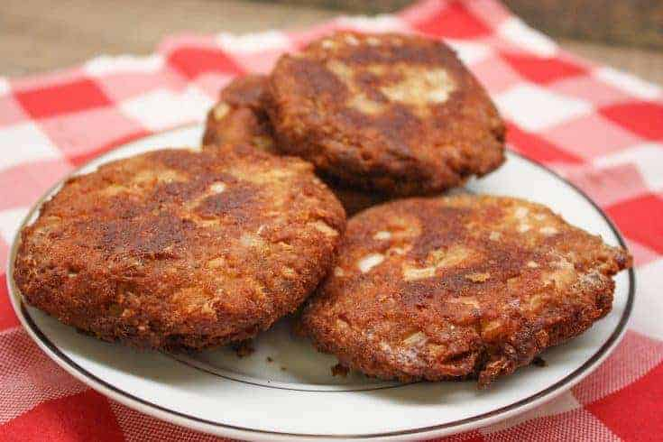 Southern Salmon Patties are an inexpensive meal and an easy recipe to make. The canned recipe costs less than five dollars and is quick to get on the table. This Deep South dish is made with breadcrumbs and fries up fast. #salmonpatty #southern #easy #fried #breadcrumbs #best
