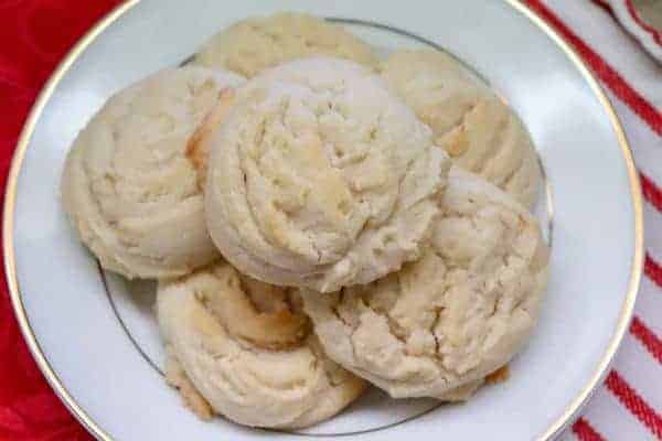 Picture of Amish Butter Cookies on a plate.