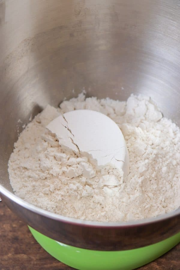 Picture of flour in a bowl