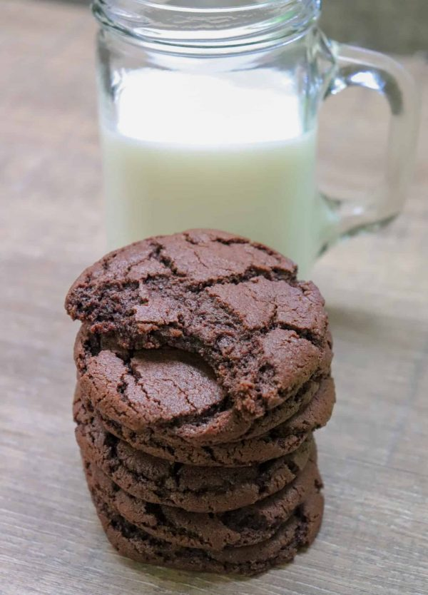 Picture of cookies and milk