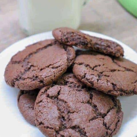 Picture of cookies and milk.