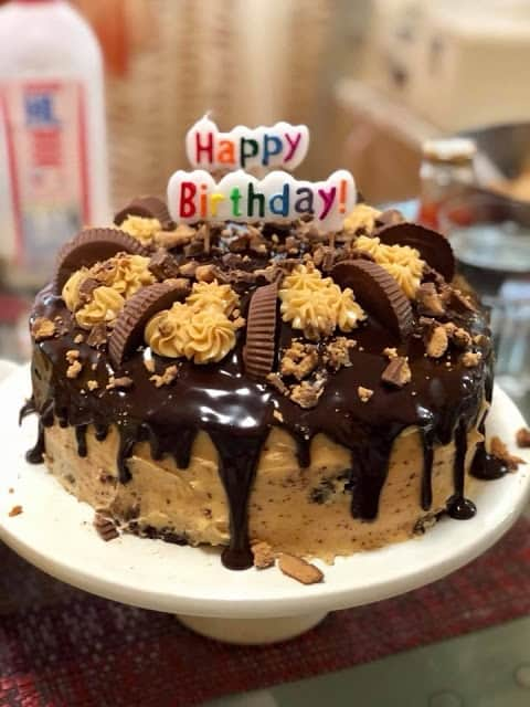 Peanut Butter Chocolate Reese's Cake From Kocina De Pinay from Singapura