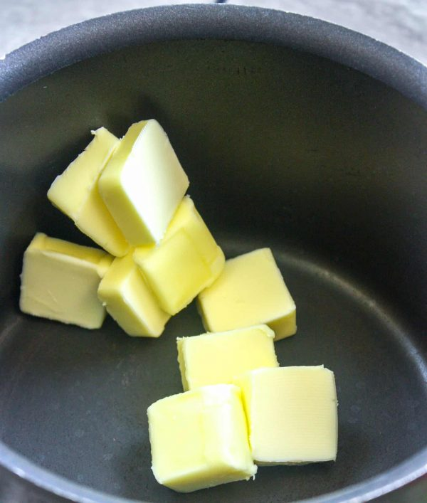 Picture of butter in a saucepan.