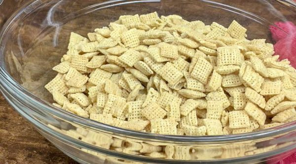 Picture of Chex Mix in a large bowl