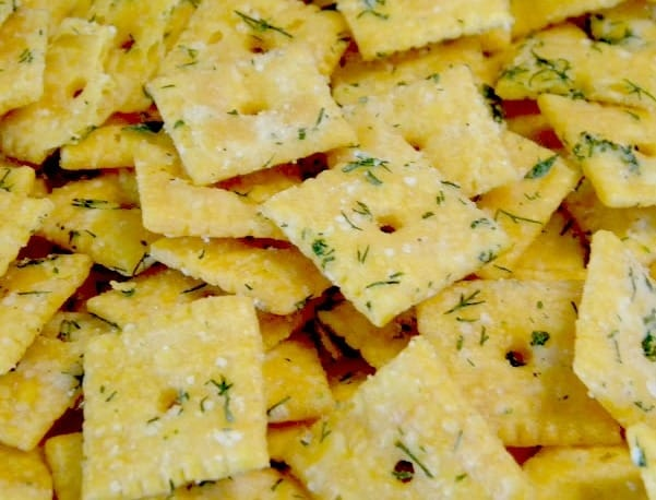 Picture of cheez its in a pile