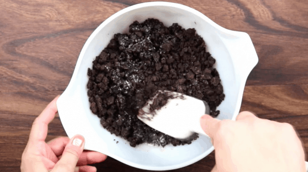 Picture of Oreos in a bowl