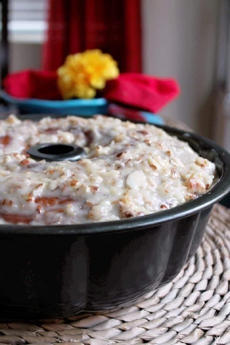Kentucky - Kentucky Butter Crunch Cake - Creole Contessa