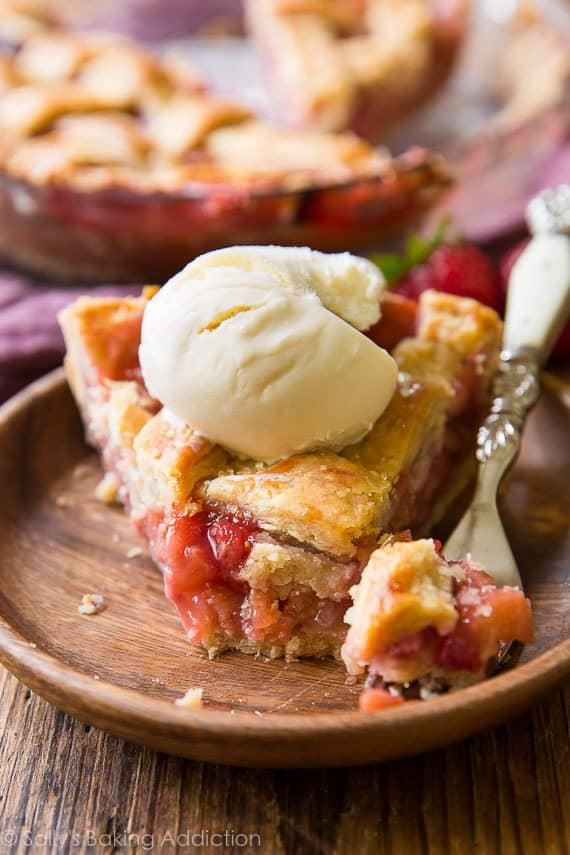 North Dakota - Strawberry Rhubarb Pie - Sallys Baking Addiction