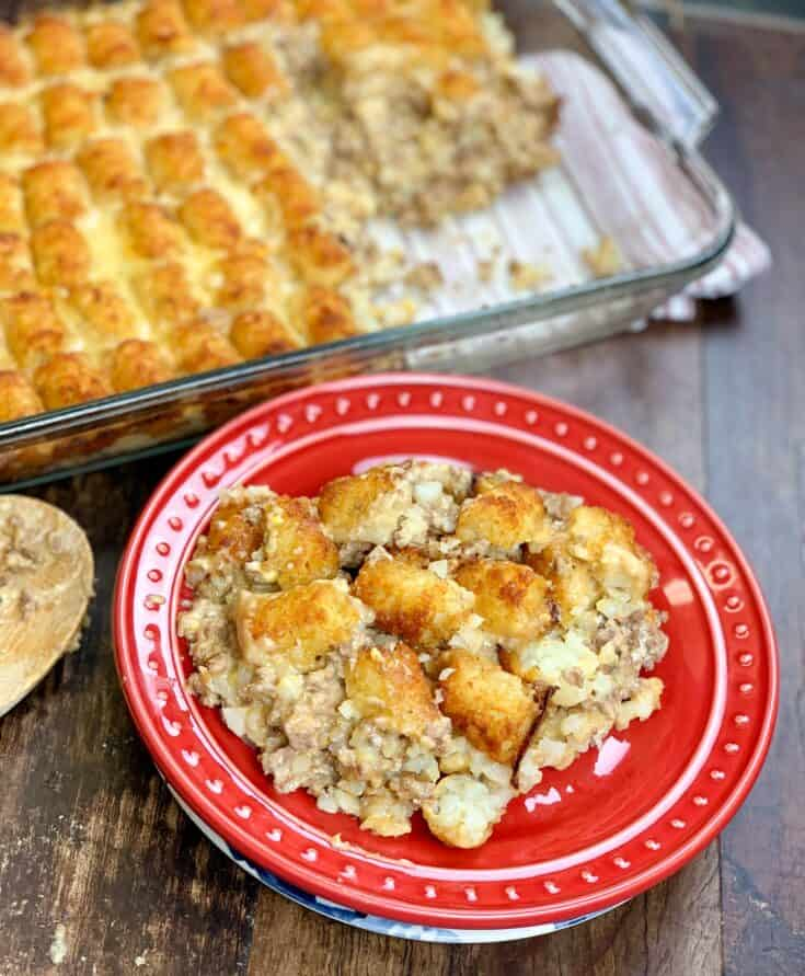 This is an easy recipe for tater tot casserole with ground beef. The cheesy meal is made with sour cream, cream of chicken soup, and tater tots.