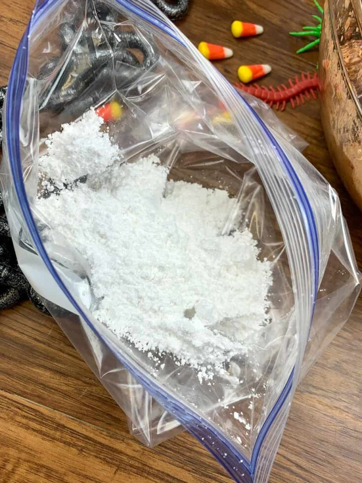 Powdered sugar in a large Ziplock bag