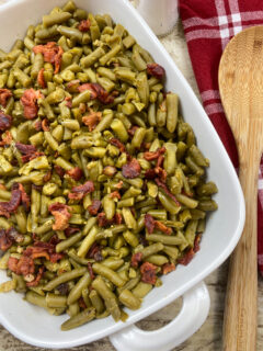 Green beans and bacon in a dish