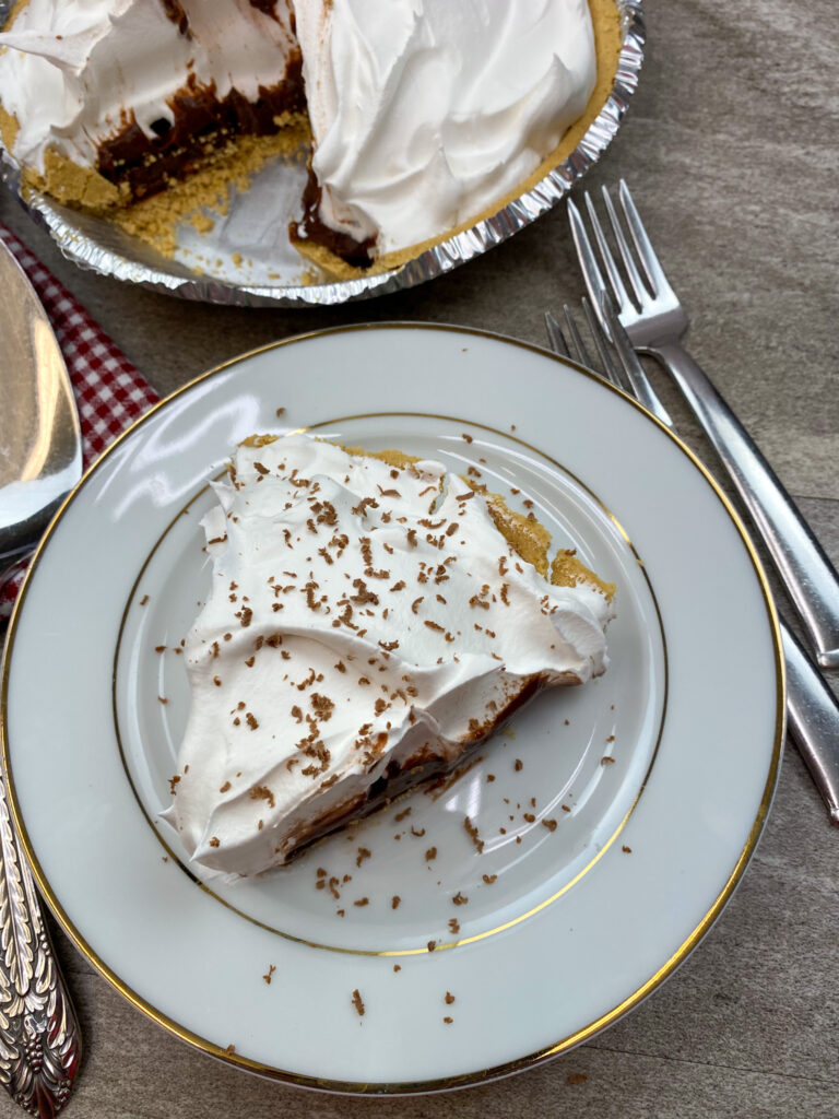 Jello chocolate cream pie recipe on a plate.