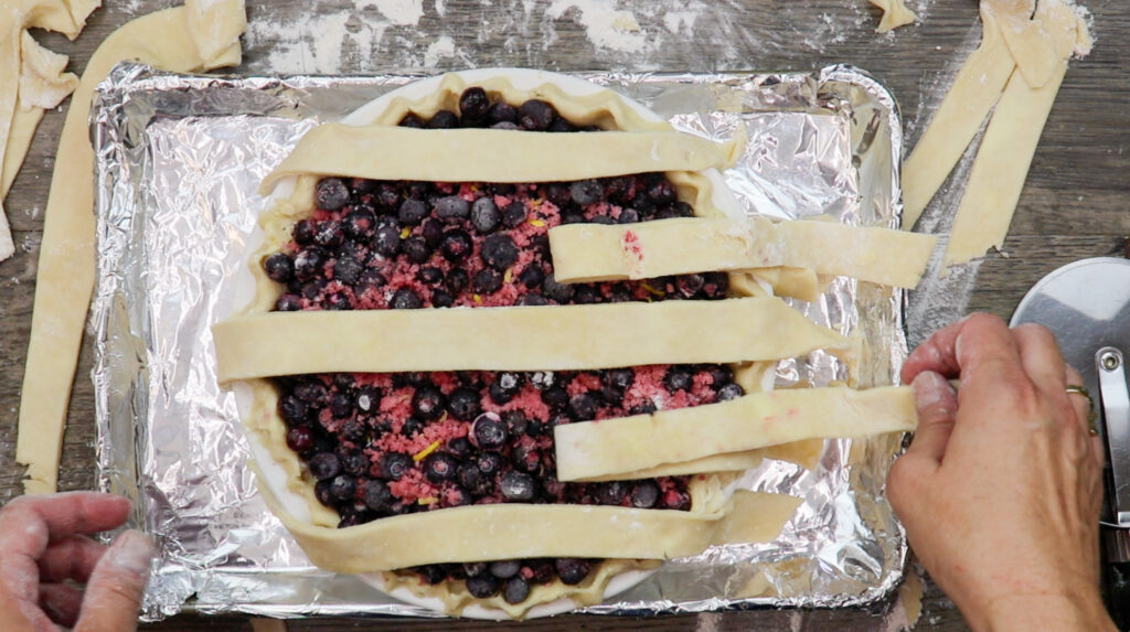 Creating lattice on top of the pie.